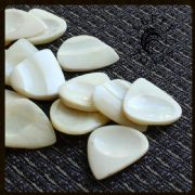 Lefty Tones - Bone - 1 Guitar Pick | Timber Tones